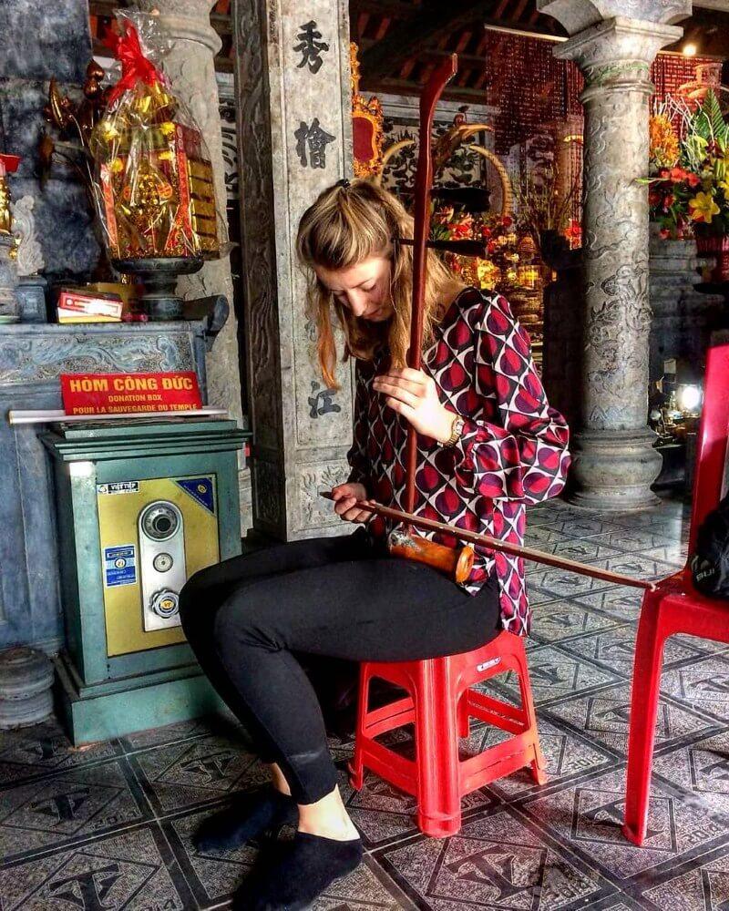 An ancient Vietnamese musical instrument