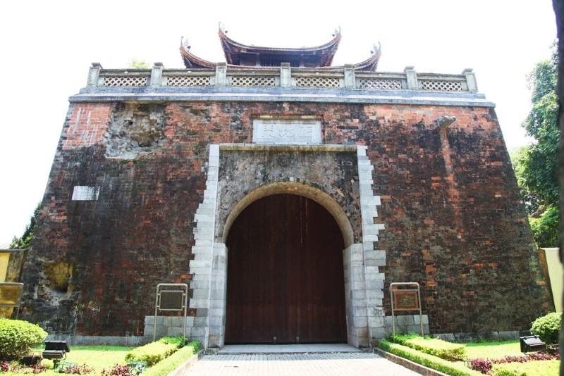 Bac Mon (North Gate)