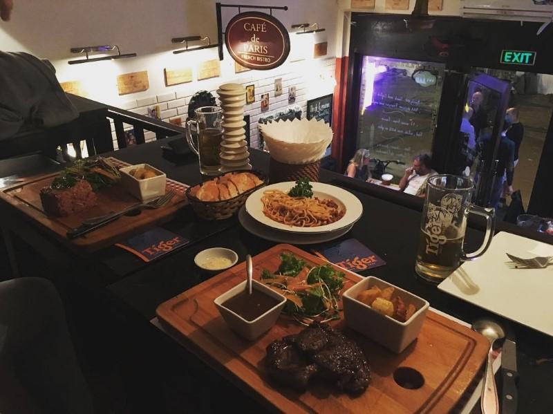 Cafe de Paris Hanoi