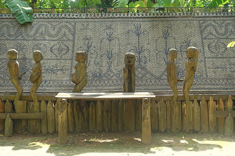 Giarai tombs to worship the passed away