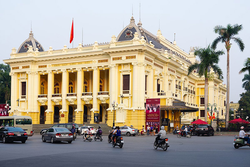 Hanoi Opera House did wow me on my first visit