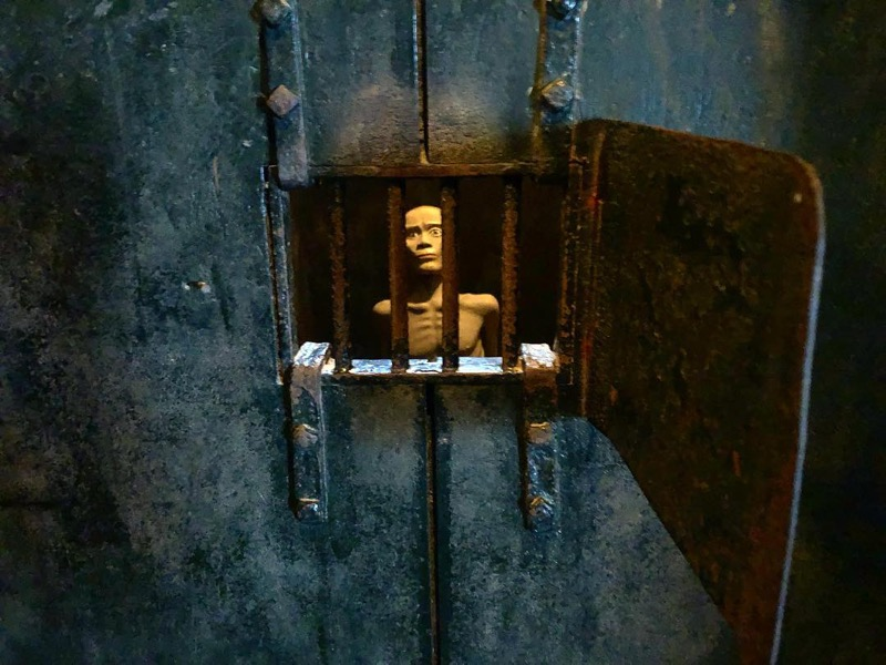Hoa Lo Prison – Hell On Earth