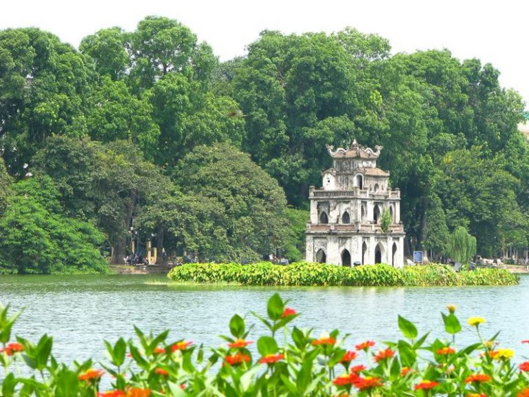 Hoan Kiem Lake will be the first thing