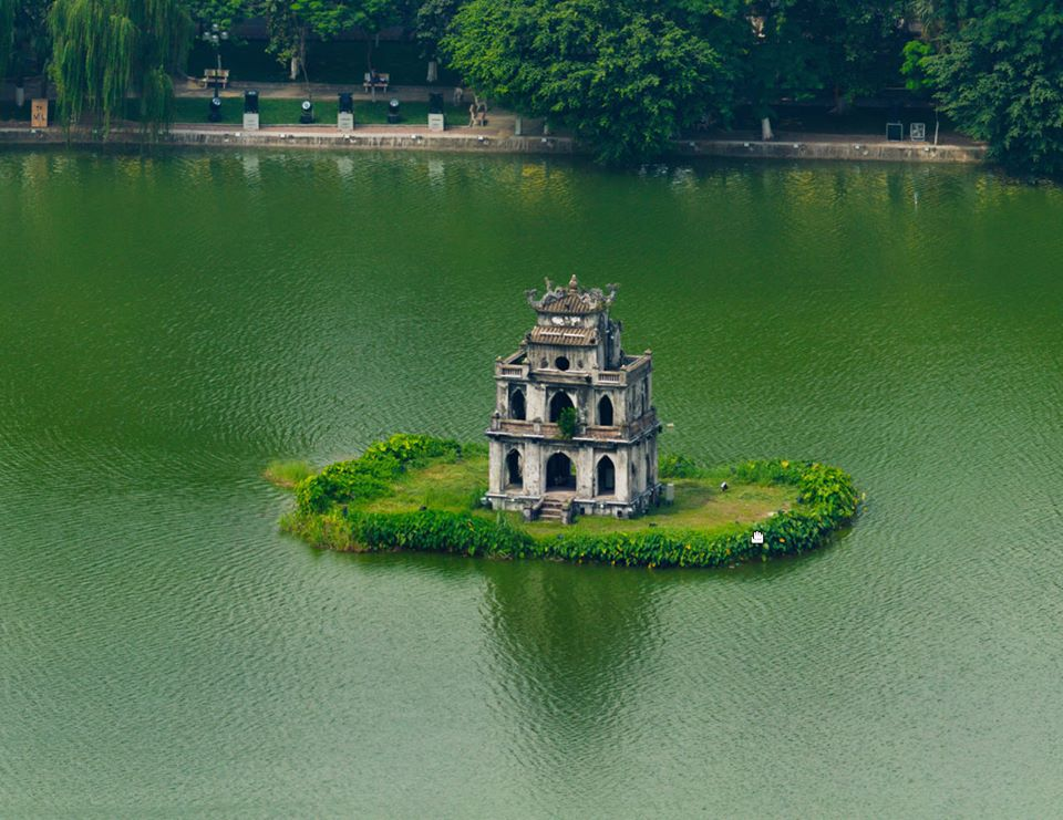 Hoan kiem Lake water has emerald color in four seasons