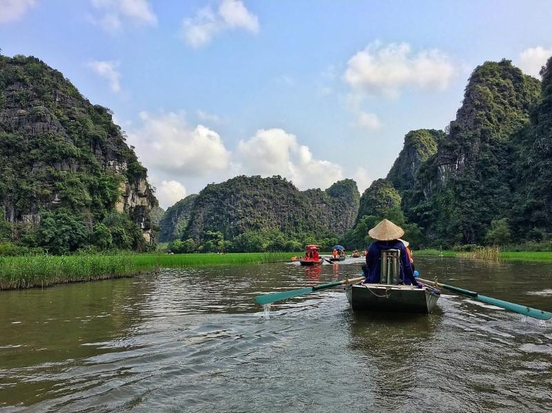 Relaxing Ninh Binh boat trip