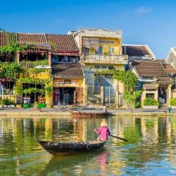 Visit Hoi An ancient town