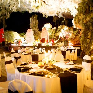 dinner in halong cave