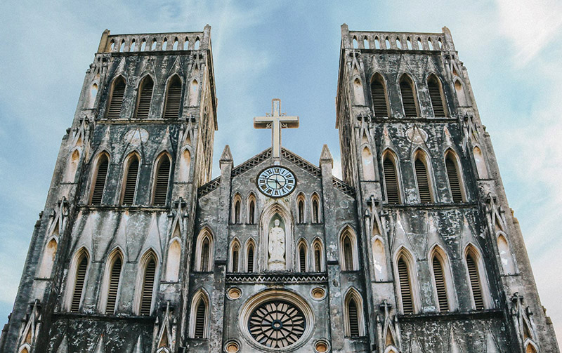gothic architecture right in the heart of Hanoi! cathedal