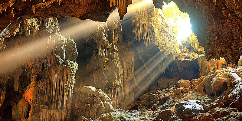 Exploration of Thien Cung Cave