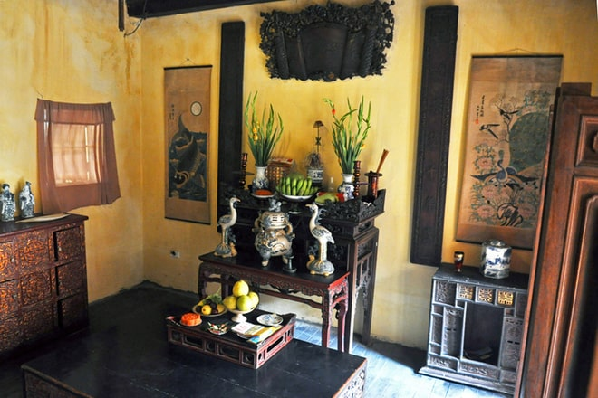 altar ancient house