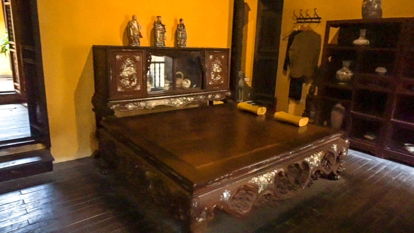 ancient house bed