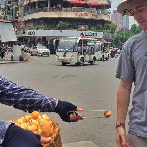 hanoi scams street vender