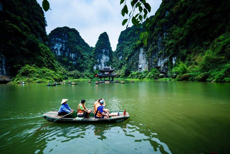Day 5: Ninh Binh : Bai Dinh - Trang An - Hanoi