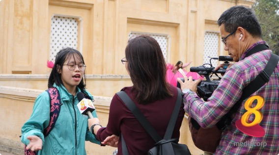 singapore-channel-8-interview-hanoi-free-local-tours