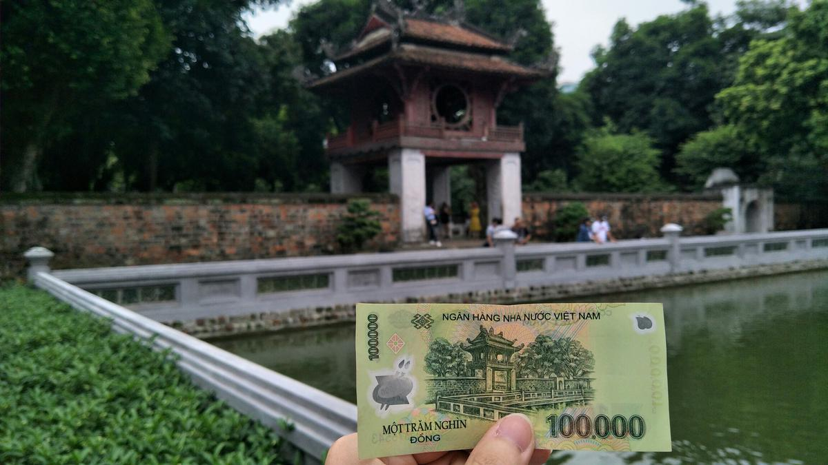 Day 5: Hanoi City Tour with our volunteer guide combine Foodie Tour