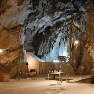 best time to visit hospital cave