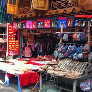 shopping in hoa binh